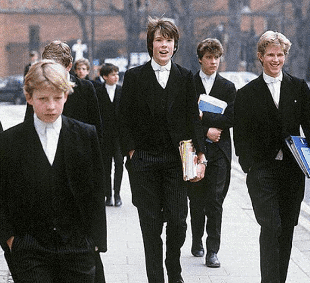 Looking For a UK Law Job?  It Pays To Be Posh 1