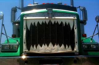 5 Ways Driver Can Protect Themselves Against Bully Truckers 2