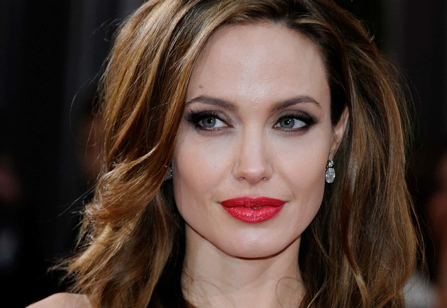 Hear Angelina Jolie's Message For ALL Women (Even Lawyers) 8