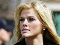 Anna Nicole Smith's death left behind more than a newborn daughter - it also left a class action lawsuit involving weight loss pills and a highly publicized probate case. 2