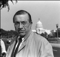 Vincent J. Fuller, the star Washington attorney who successfully defended would-be presidential assassin John Hinckley, has died in a suburban Maryland hospice. He was 75. 2